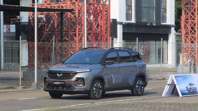 Wuling Almaz RS Raih Penghargaan Best of High SUV Gasoline dan Car of the Year di Otomotif Award 2021
