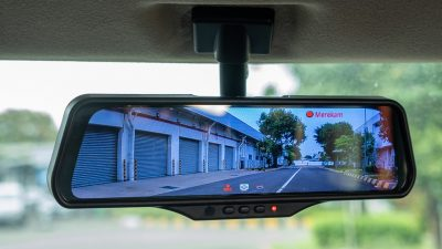 Minilik Keunggulan Fitur Smart E-Mirror Suzuki XL7